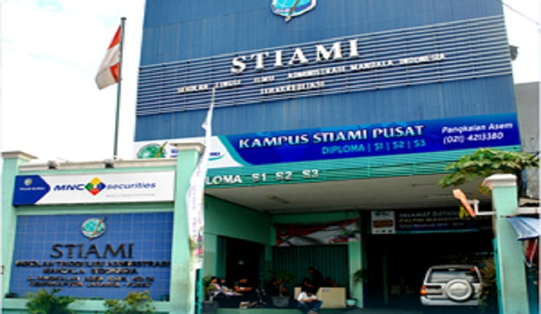 Gedung kampus pusat Institut Ilmu Sosial dan Manajemen STIAMI.