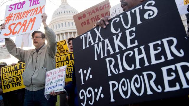 Estadounidenses protestan contra polémica reforma fiscal de Trump