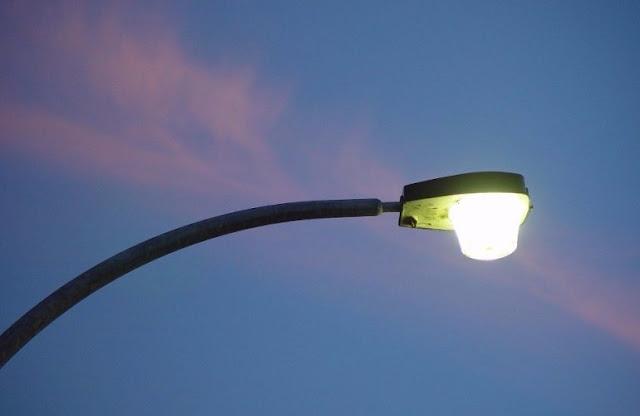 20 νέοι φωτιστικοί στύλοι βελτιώνουν τον δημοτικό φωτισμό της Ασίνης