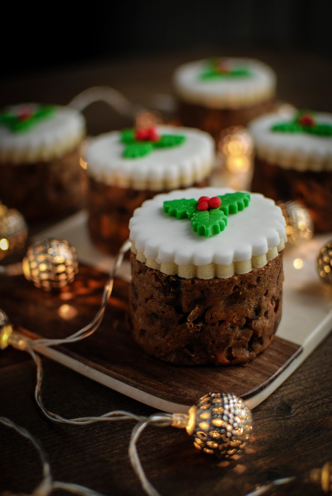 Fig And Pistachio Baked Bean Tin Christmas Cakes Recipe
