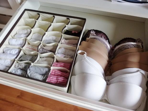 Confere essas 6 dicas para organizar o armário e descomplicar o dia a dia e a forma de se vestir. Organizar Lingerie Maneiras De Dobrar E Guardar Penso Logo Divido