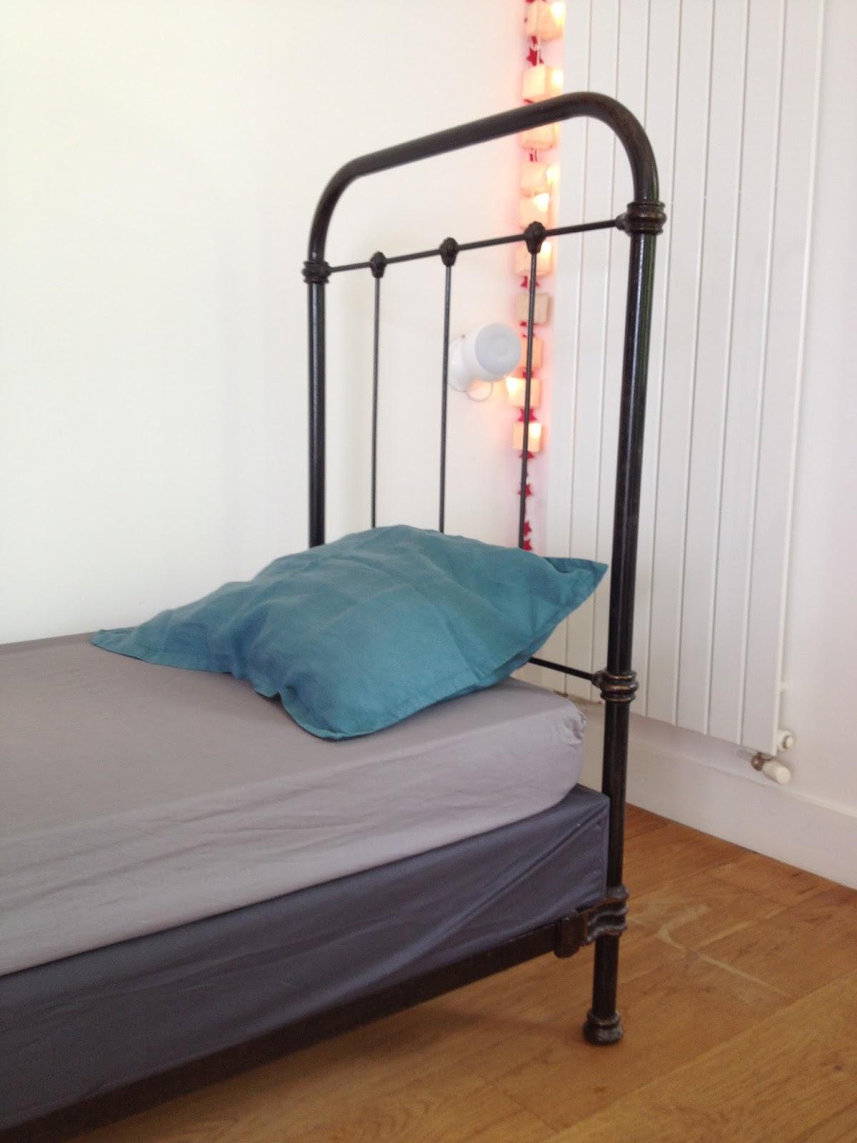le loup rose la vanille lit fer forge. Black Bedroom Furniture Sets. Home Design Ideas
