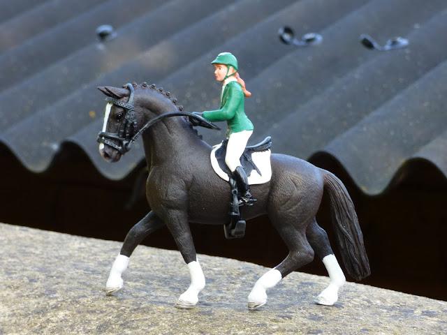 toy horses, horse minifigures