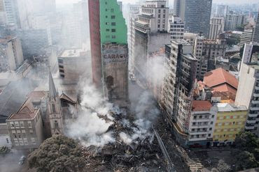 prédio em são paulo destruído pelo fogo