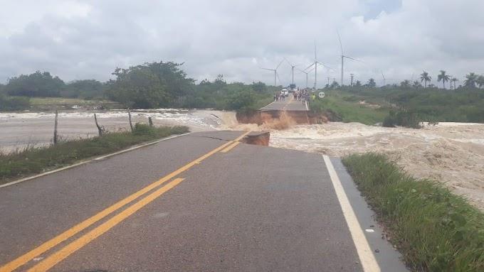 A destruição causada pela chuva no mês de março no Ceará