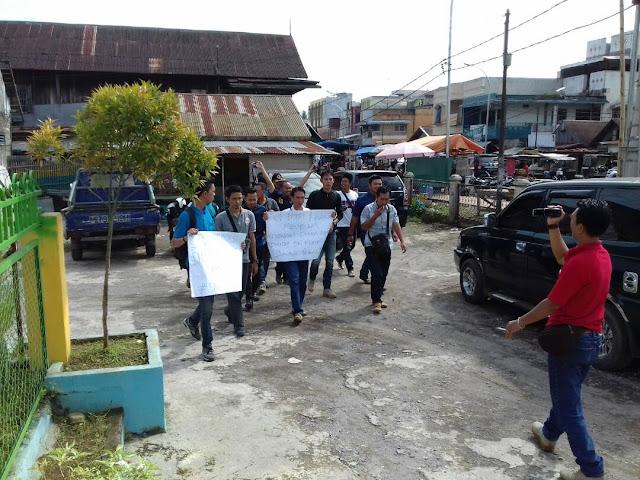 Aksi Solidaritas, Wartawan Gruduk Polres Empat Lawang