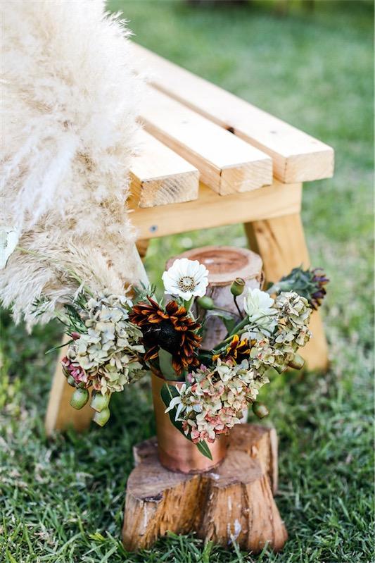 detalle floral banco boda chicanddeco