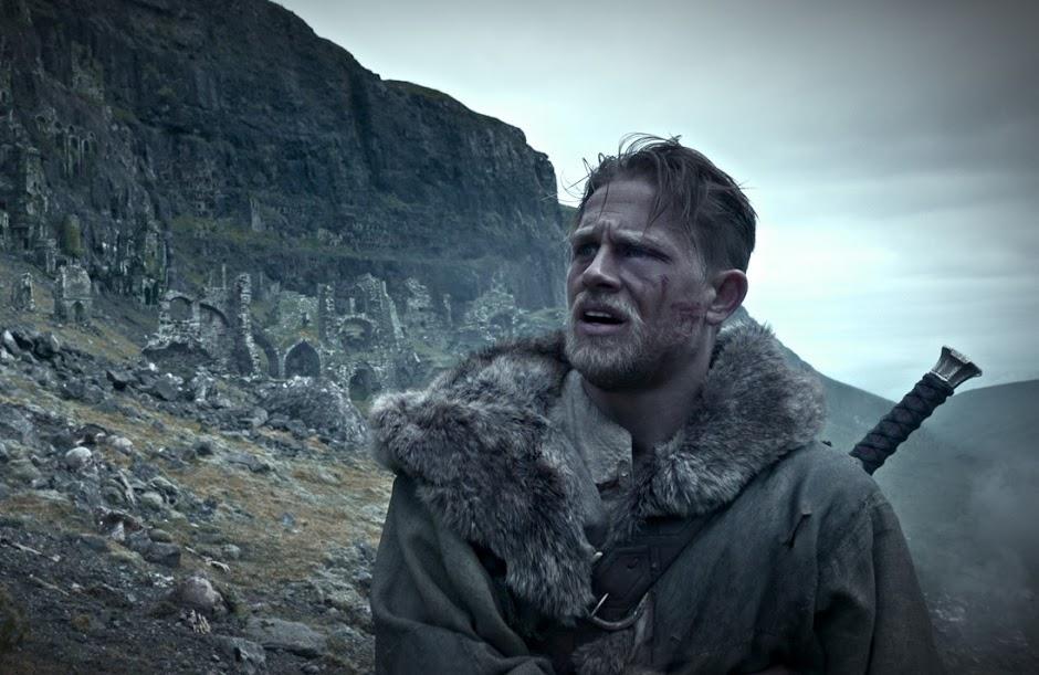 Crítica: Rei Arthur - A Lenda da Espada