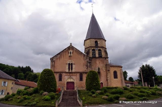 Ferrières-sur-Sichon, Allier, Auvergne, église saint Désir.