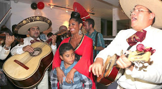 Maripily Rivera muy satisfecha  a sus 40