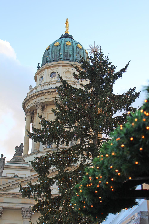 Gendarmenmarkt Christmas market in Berlin - travel & lifestyle blog