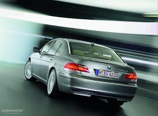BMW7Series-Sedan-55_4