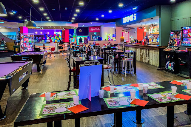 View of Hollywood Bowl Dagenham diner towards the bar and amusement arcade