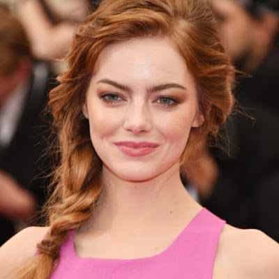 emma-stone-says-her-male-co-stars-take-pay-cuts-for-her