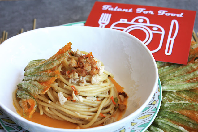 pasta con ragù di coniglio e fiori di zucca fritti per talent for food