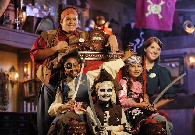Crianças no The Pirates League na Disney em Orlando