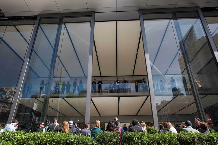 How many Apple stores are there in the United States ...