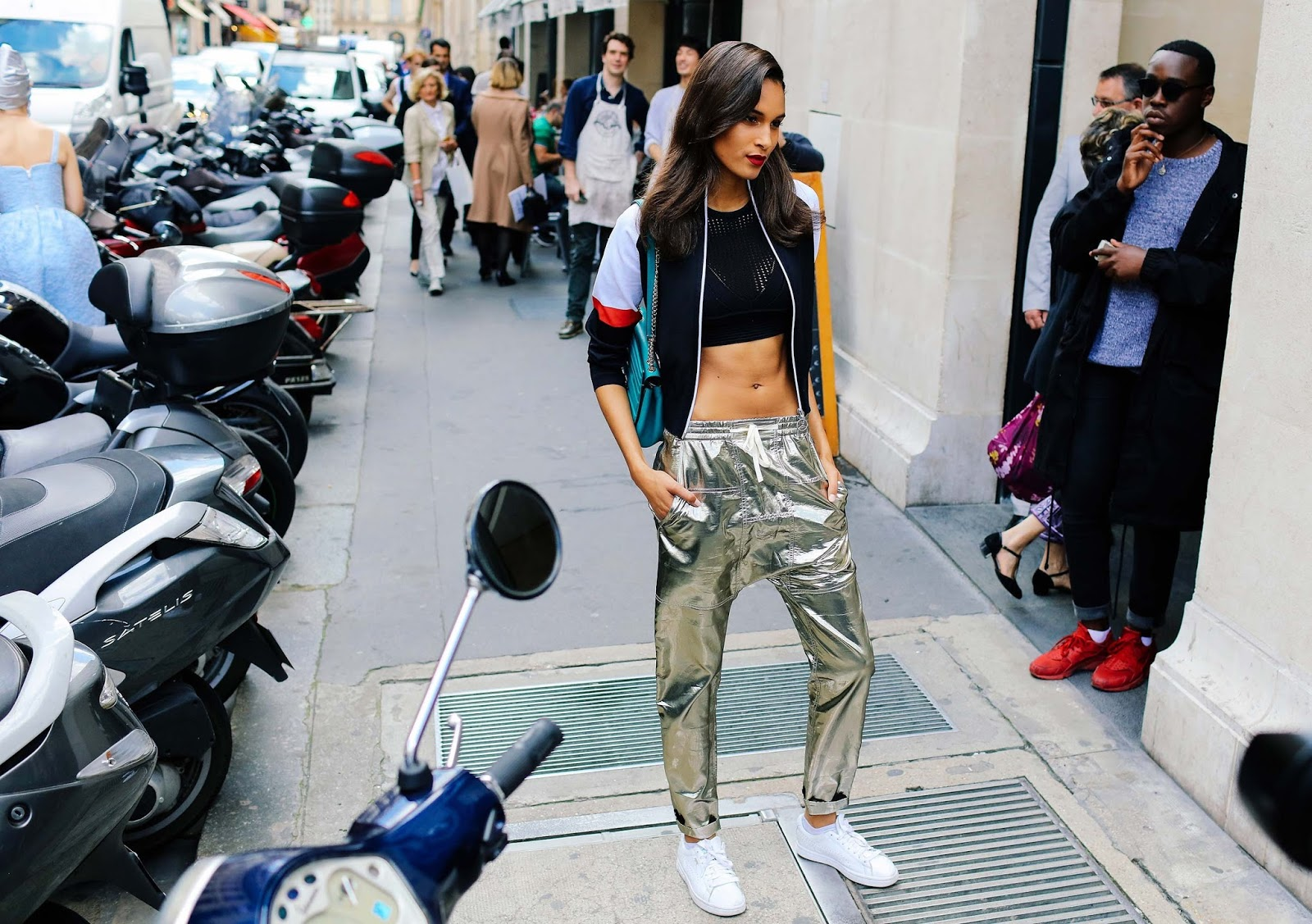 Street Style: Cindy Bruna Wears a Bomber Jacket