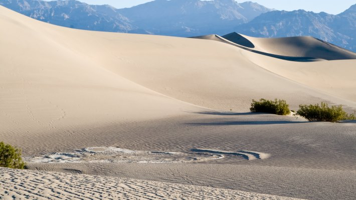 Wallpaper 2: Sand Dunes in Death Valley