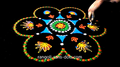 rangoli-craft-with-old-Cds-buds-1112ak.jpg