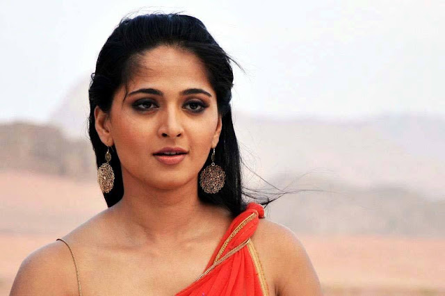 Actress Anushka Shetty Unseen Hot And Spicy Glamorous Pictures