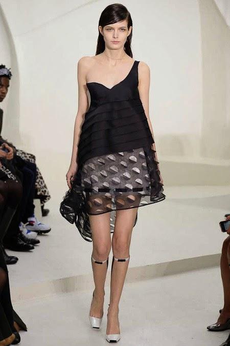 Reportedly stars avoiding paris couture week rare photo