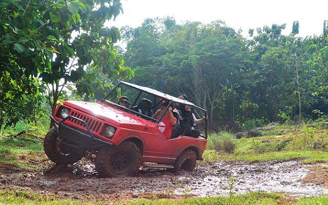 Mencoba Sensasi Offroad Jeep di Desa Wisata Bejiharjo