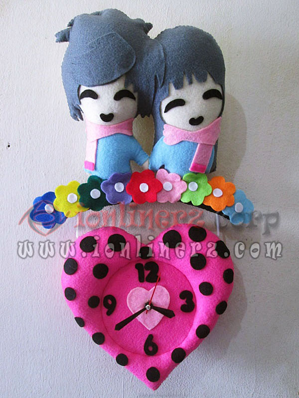 Jam Dinding Flanel Karakter Kartun Boneka Pasangan / Couple