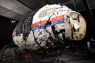 Sisa Sisa Pesawat MH-17