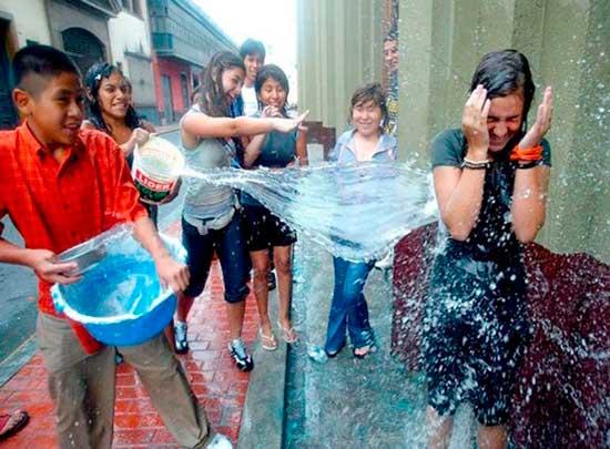 Alistan ley que prohibirá jugar con agua en Carnaval en la ciudad de Potosí