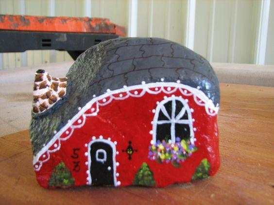 Bisuter a fantas a y peque as alegr as cotidianas for Piedras pintadas para jardin