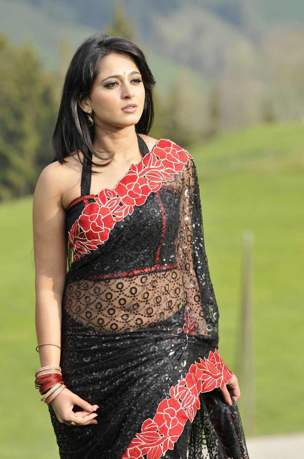 Anushka Shetty Hot Black Saree Navel Show Latest Indian