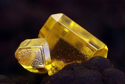 prismaticos cristales de wulfenita