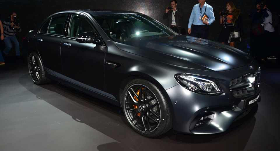 new mercedes amg e63 s edition 1 has a sinister looking. Black Bedroom Furniture Sets. Home Design Ideas