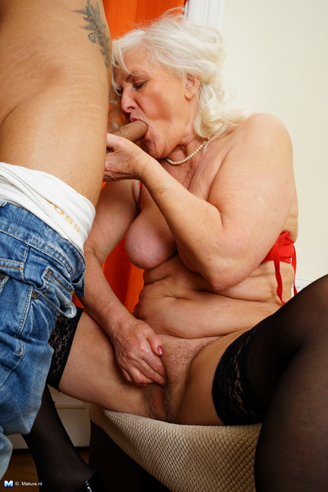 Old woman fucked