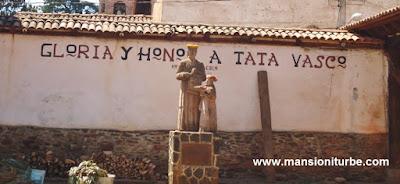 Estatua en Honor a Tata Vasco de Santa Fe de la Laguna, Michoacán