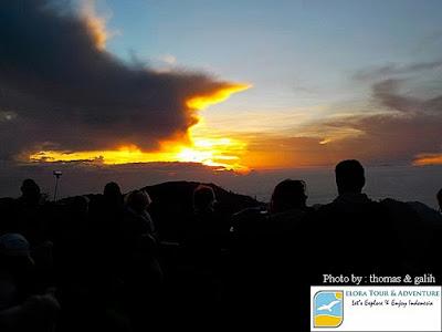 Detik-detik Bromo sunrise di Penanjakan