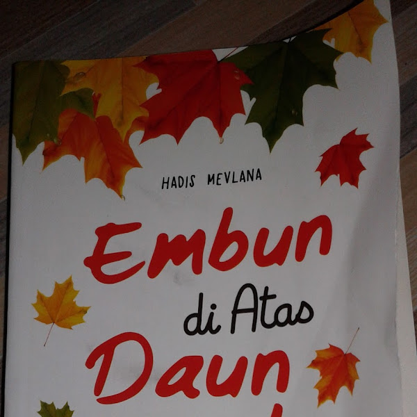 (Review Buku) Embun di Atas Daun Maple