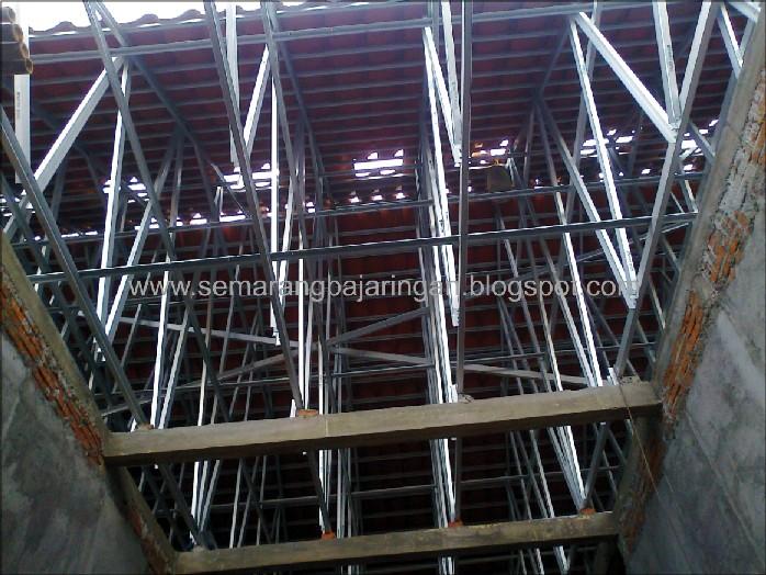 perbandingan harga baja ringan vs kayu atap semarang