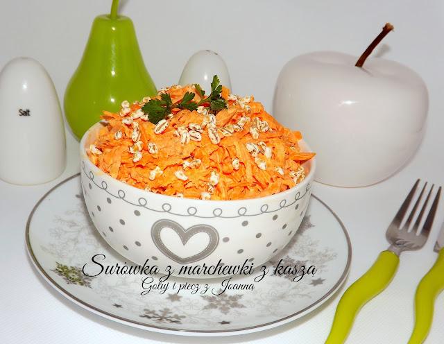 Surówka z marchewki z kaszą żytnią półekspandowaną