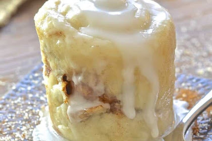 Easy Cinnamon Roll in a Mug