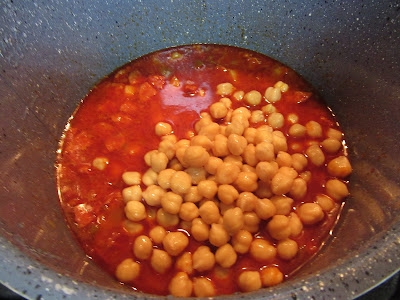 Potaje de garbanzos con patatas olla GM