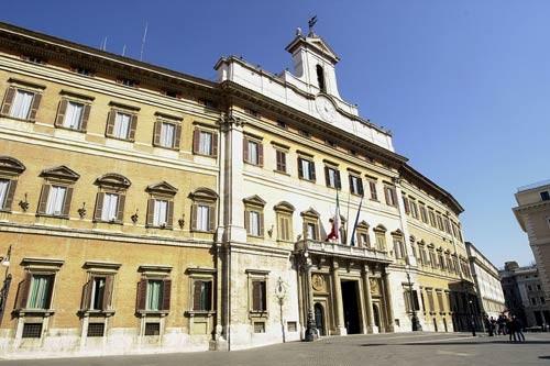 Camy 39 s wall montecitorio a porte aperte 8 maggio 2011 for Palazzo camera dei deputati