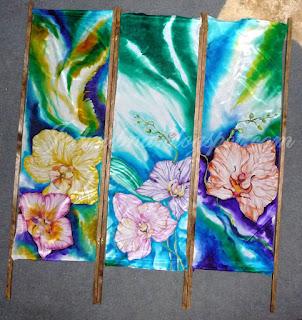 parawan jedwabny , trzy ścianki , ręcznie malowany jedwab , orchidee, przygotowany do mocowania materiału do ramy drewnianej