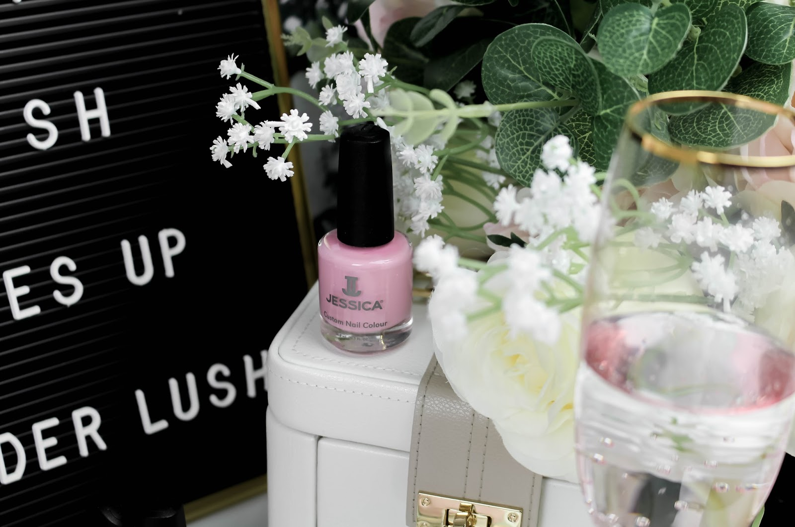Jessica Nails La Vie en Rose Beauty Blogger Review
