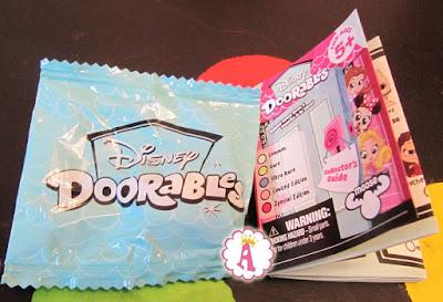 Disney Doorables и коллекционный вкладыш