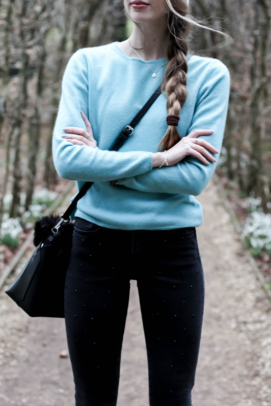 Styling Cashmere Teal Jumper in Winter