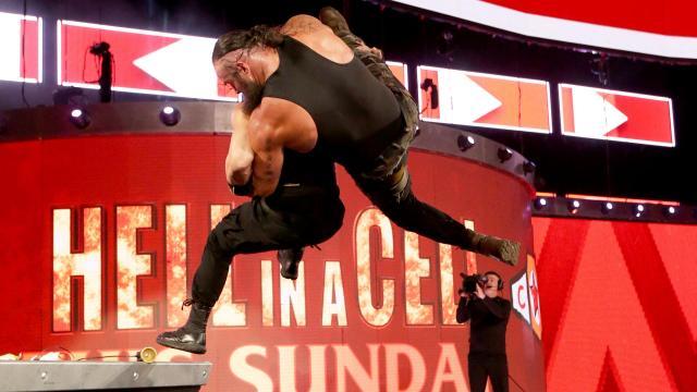 WWE Raw Roman Reigns attacked Braun Strowman