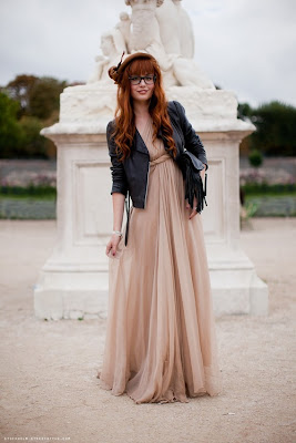 e6ed0154003 14 дек 2012 Поводов нарядиться в изысканное серебристое платье более чем  Серебристое вечернее платье дополняют и металлическими Вам больше не нужно  ...