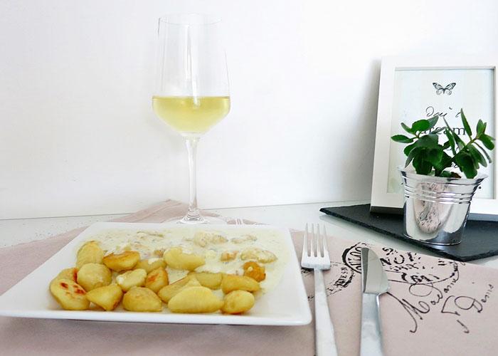 Gebratene Gnocchi mit Gorgonzolasauce